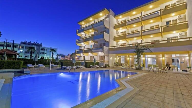 Trianta Hotel Apartmentos