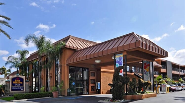 Best Western Plus Stovalls Inn