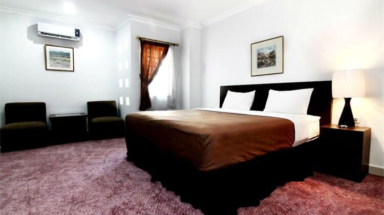 Takes Mansion & Hotel