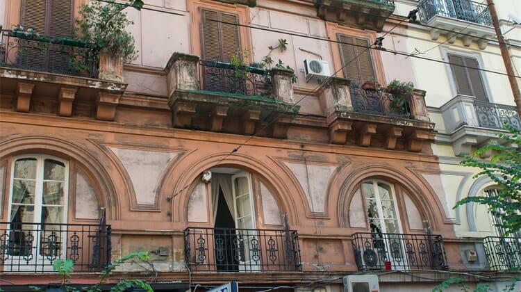Napoli's Gold Hotel
