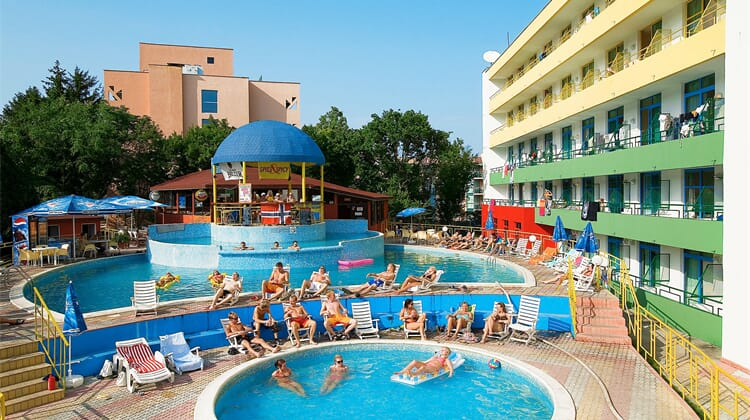Party Hotel ADULTS ONLY 18-30