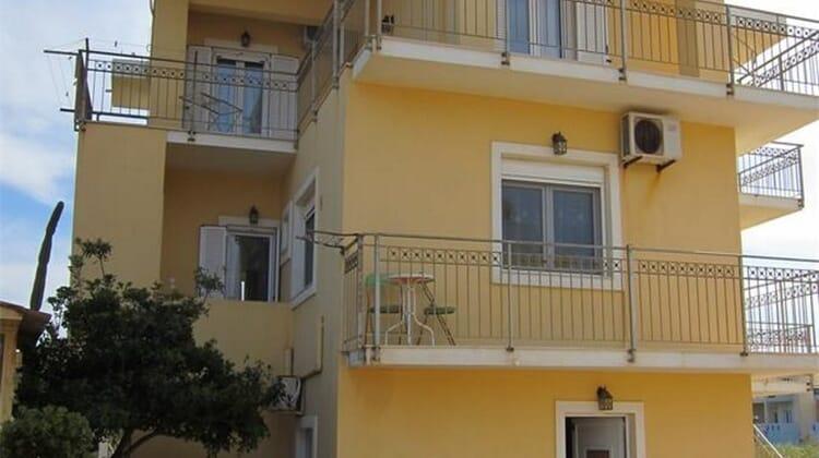 Baladinos Beach Apartment