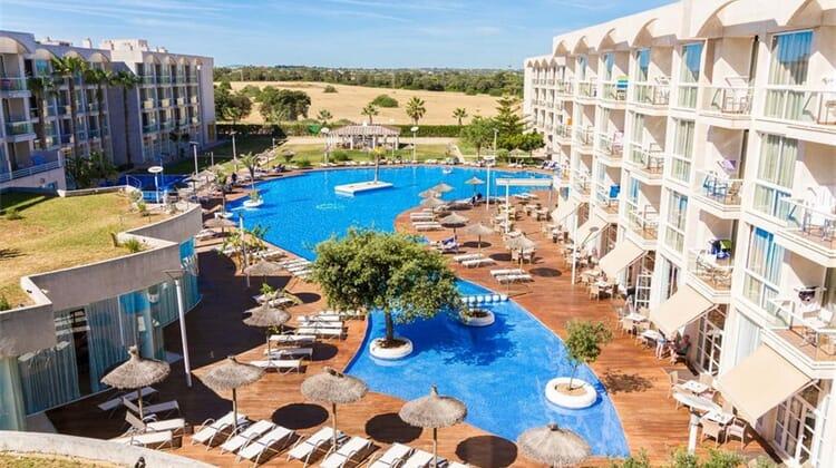 Eix Alzinar Mar Hotel & Suites